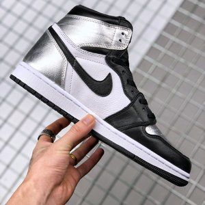 "Air Jordan 1 High OG WMNS ""Silver Toe"" BlackSilver"